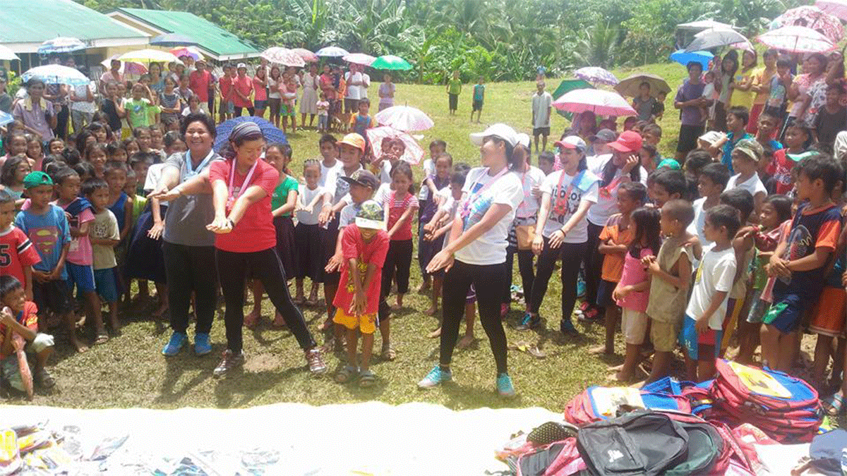 Outreach Program for the Mangyans of Sitio Apnagan  Brgy. Villa Pag asa